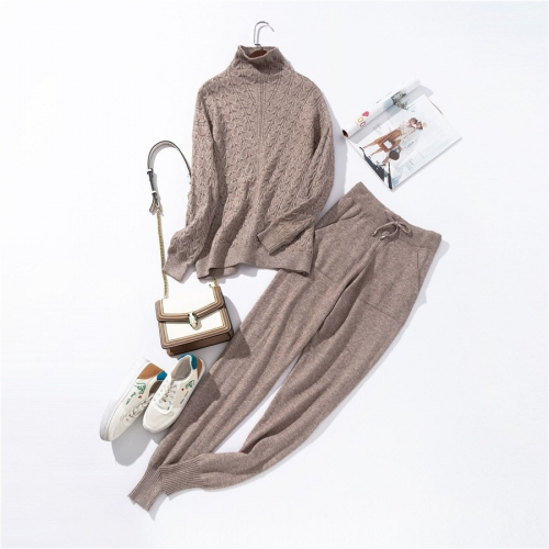 INITIALDREAM Beige Polyester Knitted Sweatshirt with Track Pant