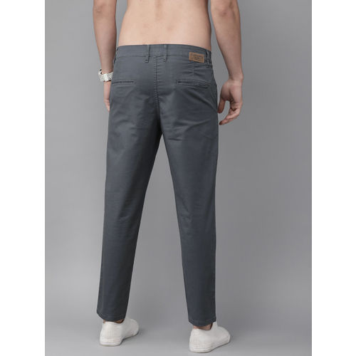 Roadster Men Charcoal Grey Regular Fit Solid Ankle-Length Chinos