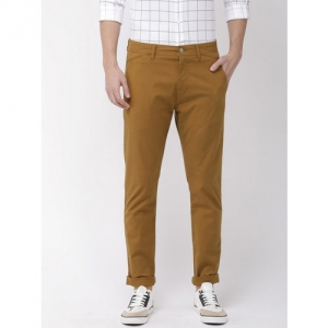 Levis Men Khaki Slim Tapered Fit Solid Chinos 512