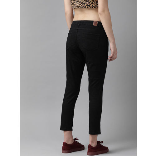 Roadster Women Black Regular Fit Solid Cropped Trousers
