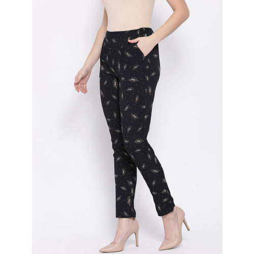 Oxolloxo Women Black & White Regular Fit Printed Regular Trousers