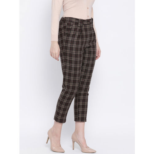 Oxolloxo Women Brown & Cream-Coloured Regular Fit Checked Regular Trousers