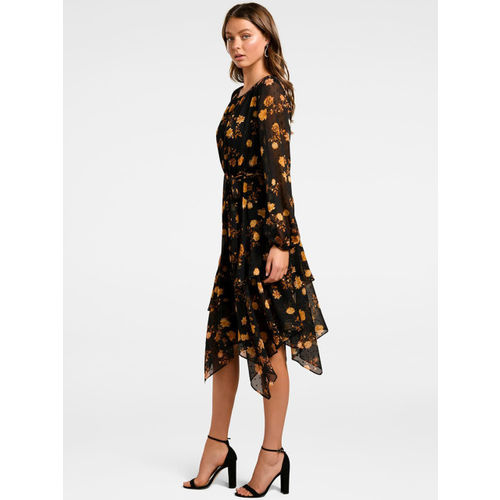 Forever New Women Black Printed Fit and Flare Dress