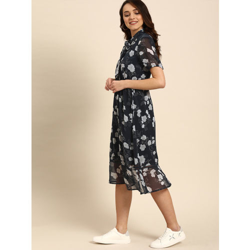 DressBerry Women Navy Blue & Off-White Printed Fit and Flare Dress