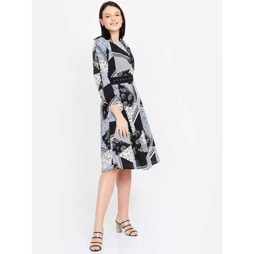 CODE by Lifestyle Women Black & Blue Printed Fit and Flare Dress