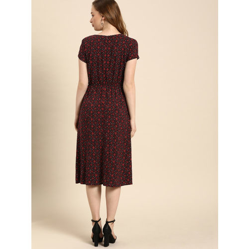 DressBerry Women Maroon Printed Fit and Flare Dress
