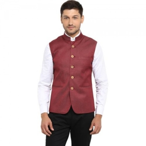 Red Tape Sleeveless Solid Men's Jacket