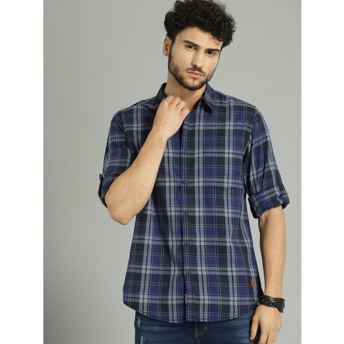 Roadster Men Blue & Navy Blue Regular Fit Checked Casual Shirt