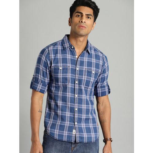 Roadster Men Blue & Pink Regular Fit Checked Casual Shirt