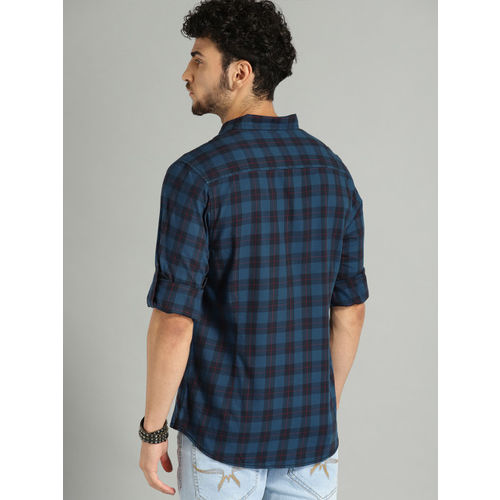 Roadster Men Blue Regular Fit Checked Casual Shirt