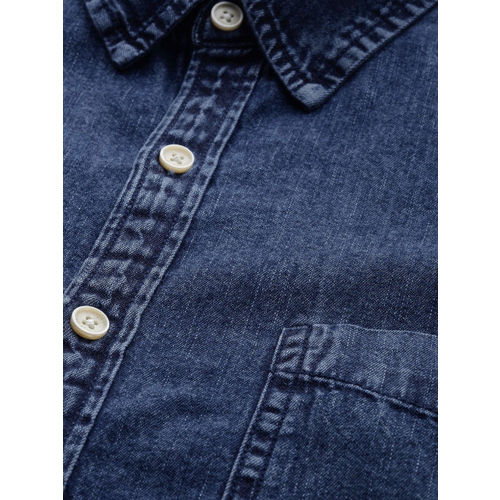 Roadster Men Blue Regular Fit Solid Casual Chambray Shirt