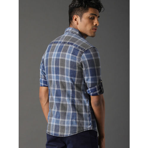 Roadster Men Blue & Grey Washed Indigo Checked Casual Shirt