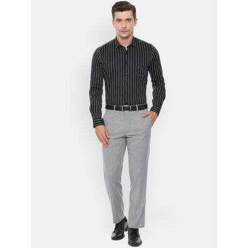 Van Heusen Men Black & White Slim Fit Striped Formal Shirt