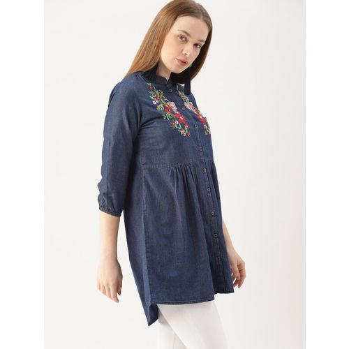 DressBerry Women Blue Self Design Chambray High-Low Top