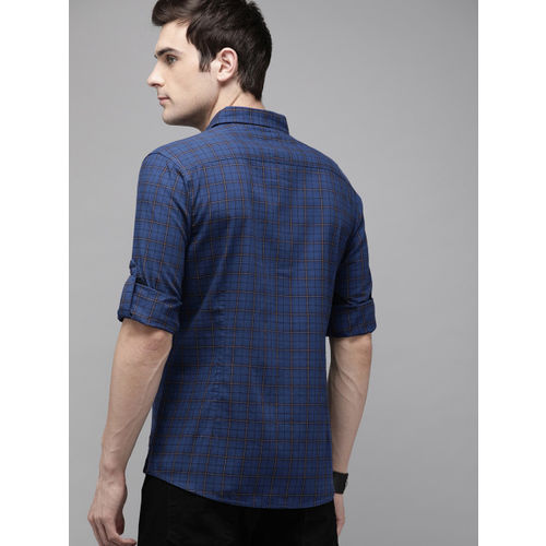 Roadster Men Navy Blue Regular Fit Checked Casual Shirt