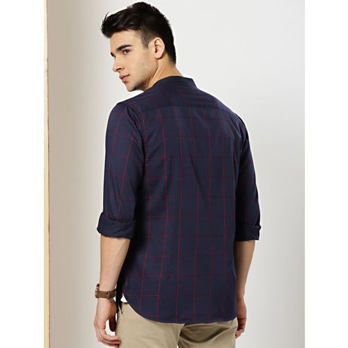 INVICTUS Men Navy Blue & Red Slim Fit Checked Casual Shirt