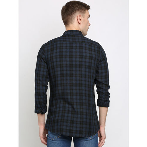 Crocodile Men Black & Navy Blue Slim Fit Checked Casual Shirt