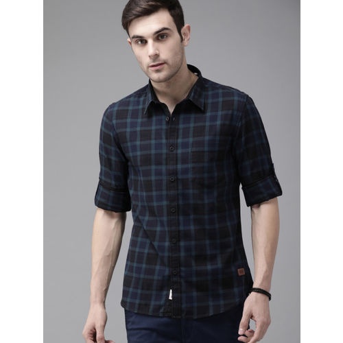 Roadster Men Black & Teal Blue Regular Fit Checked Casual Shirt