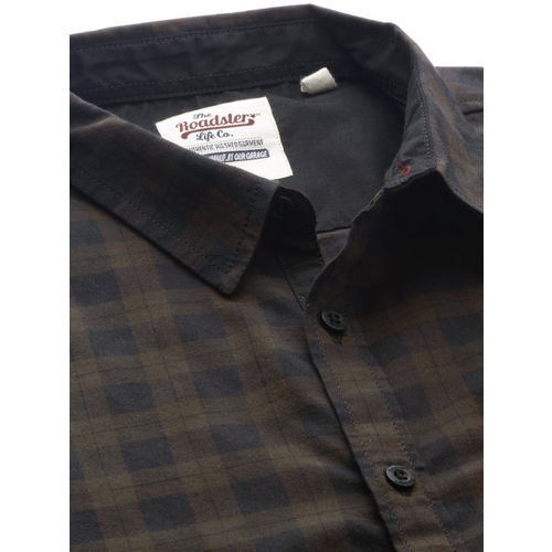 Roadster Men Coffee Brown & Black Regular Fit Checked Casual Shirt