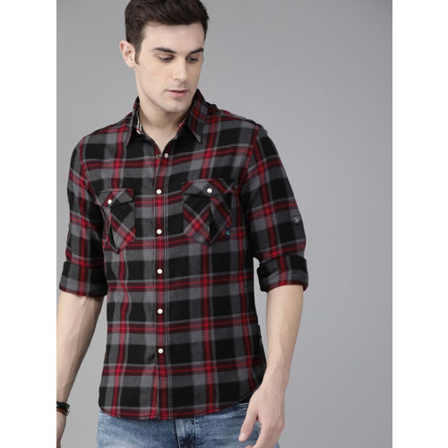 Roadster Men Black & Red Regular Fit Sustainable Cotton Checked Casual Shirt