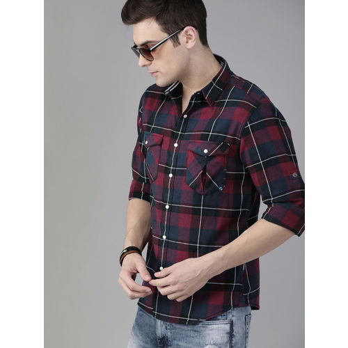 Roadster Men Maroon & Navy Blue Regular Fit Sustainable Cotton Checked Casual Shirt
