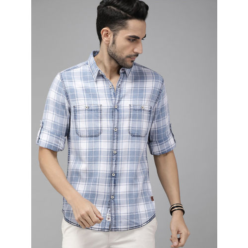 Roadster Men Blue & White Regular Fit Checked Casual Shirt