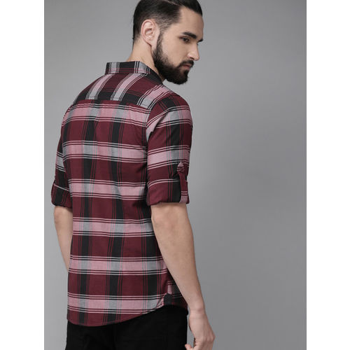 Roadster Men Maroon & Grey Regular Fit Checked Casual Shirt