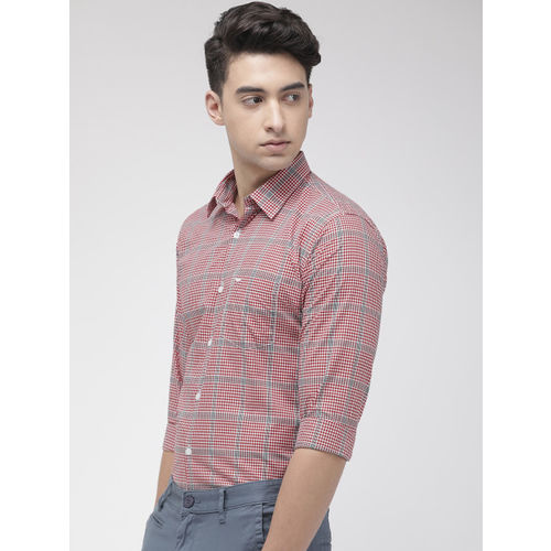 Park Avenue Men Red & White Slim Fit Checked Casual Shirt