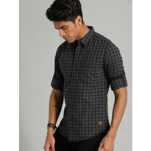 Roadster Men Black & Charcoal Grey Regular Fit Checked Casual Shirt