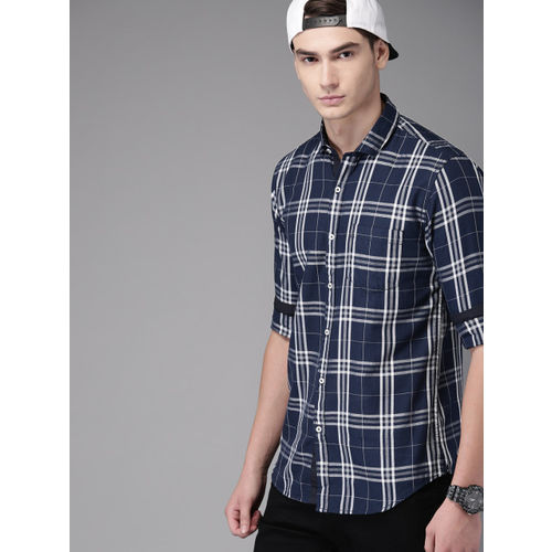 Campus Sutra Men Navy Blue & White Regular Fit Checked Casual Shirt
