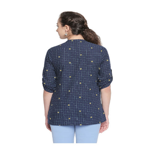 Akkriti by Pantaloons Indigo Checks Top