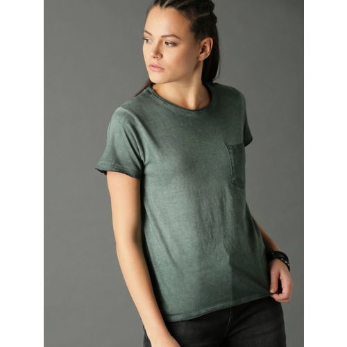 Roadster Solid Women Round Neck Green T-Shirt