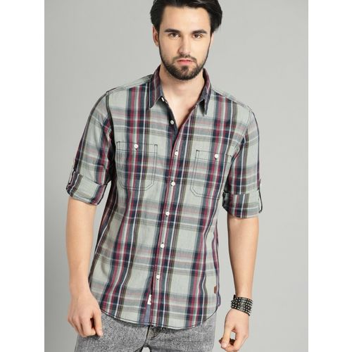 Roadster Men Checkered Casual Maroon Shirt