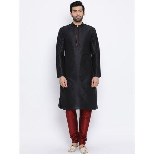 Namaskar Men Solid Straight Kurta(Black)