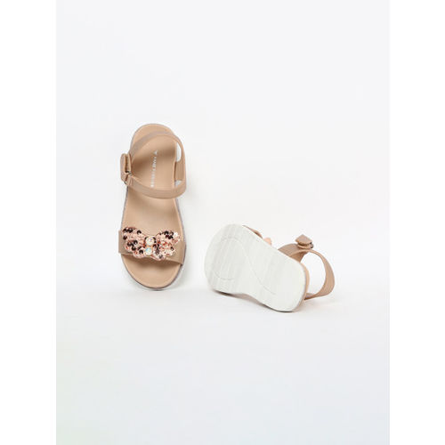 Fame Forever by Lifestyle Girls Gold-Toned Solid Open Toe Flats