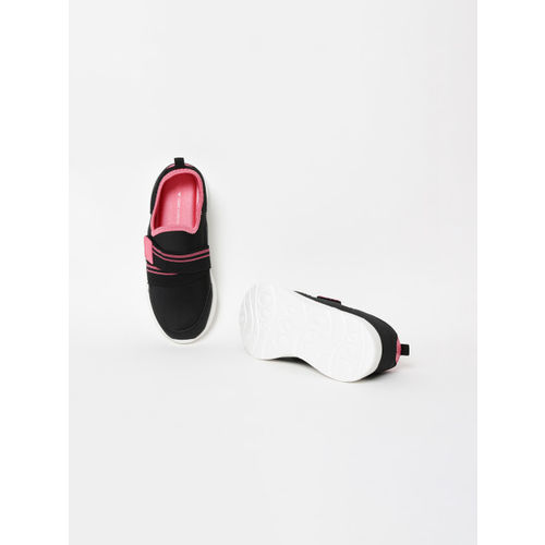 Fame Forever by Lifestyle Girls Black Solid Slip-On Sneakers