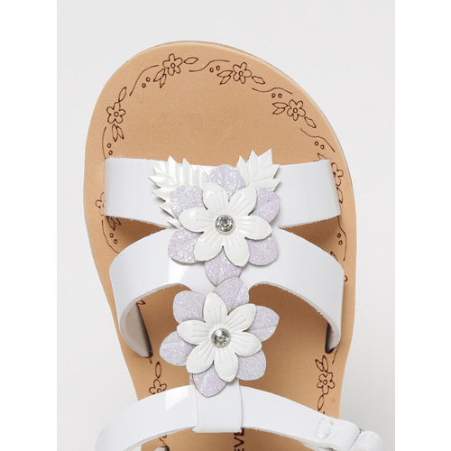 Fame Forever by Lifestyle Girls White Applique Detail Open Toe Flats