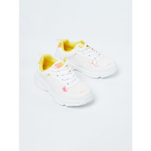 Fame Forever by Lifestyle Girls Off-White & Pink Sneakers