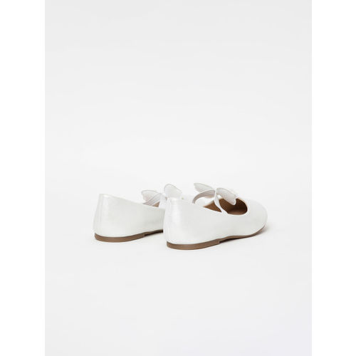 Fame Forever by Lifestyle Girls White Solid Ballerinas