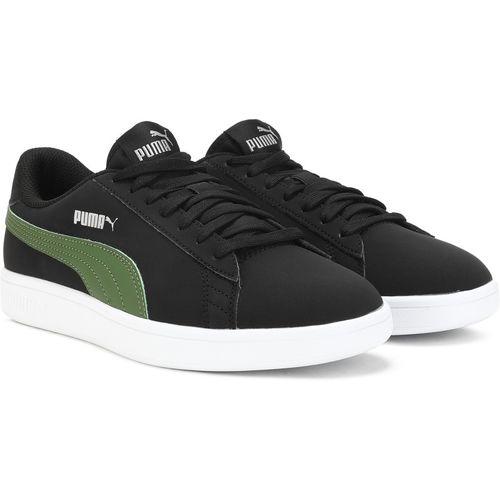 Puma Smash v2 Buck Sneakers For Women(Black, Green)