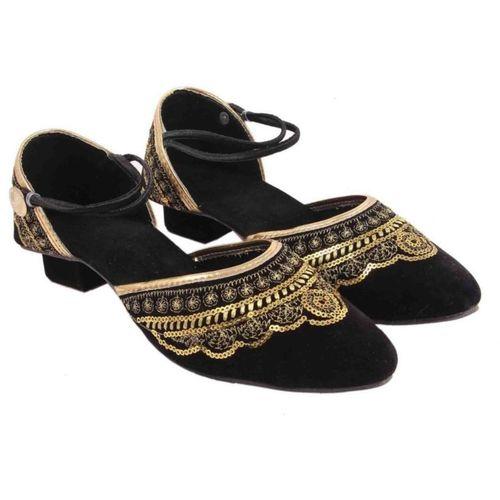 Sanaya Girls Strap Jutis(Black)