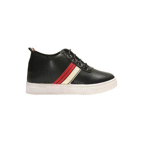 TEN black faux leather laceup sneakers