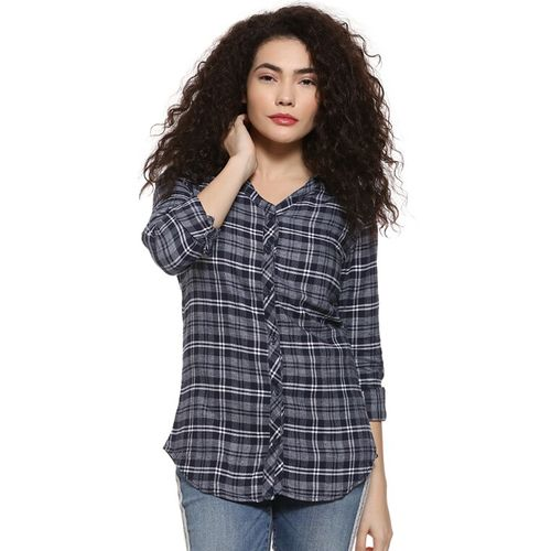 Campus Sutra curved hem long sleeved plaid shirt