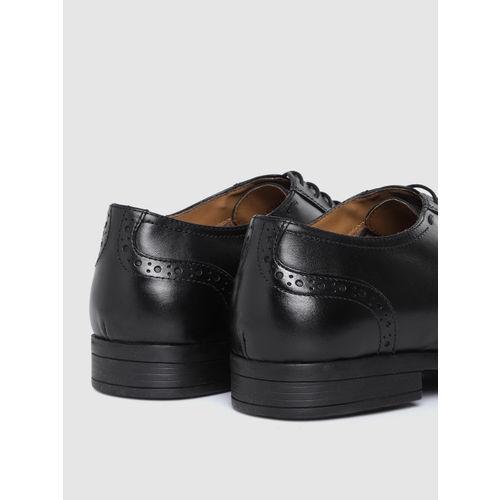 Arrow Men Black Leather Formal Brogues
