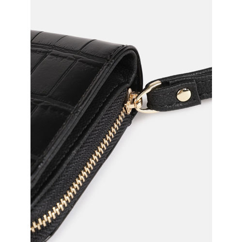 DressBerry Women Black Textured Three Fold Wallet