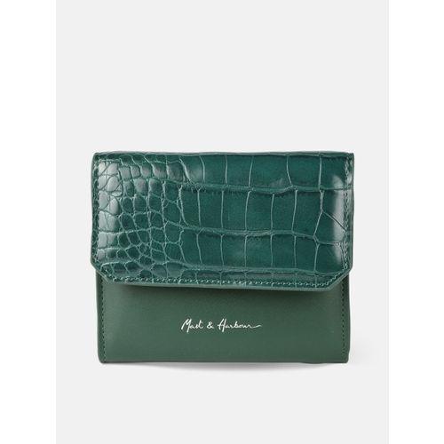 Mast & Harbour Women Green Croc Textured Three Fold Wallet