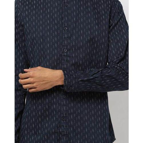 AJIO Woven Slim Fit Shirt