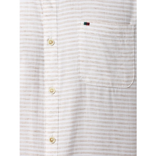 Peter England Casuals Men Beige & White Slim Fit Striped Casual Shirt
