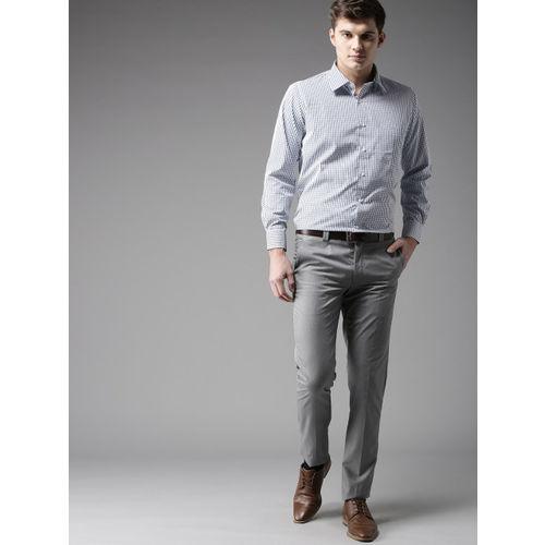 DENNISON Men White & Navy Blue Regular Fit Checked Formal Shirt