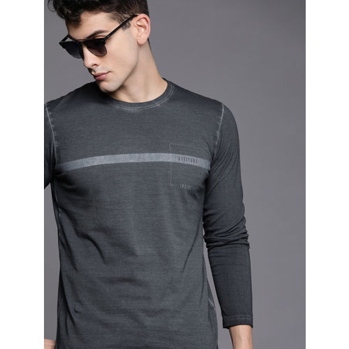 WROGN Men Grey Solid Slim Fit Round Neck T-shirt With Printed Deail